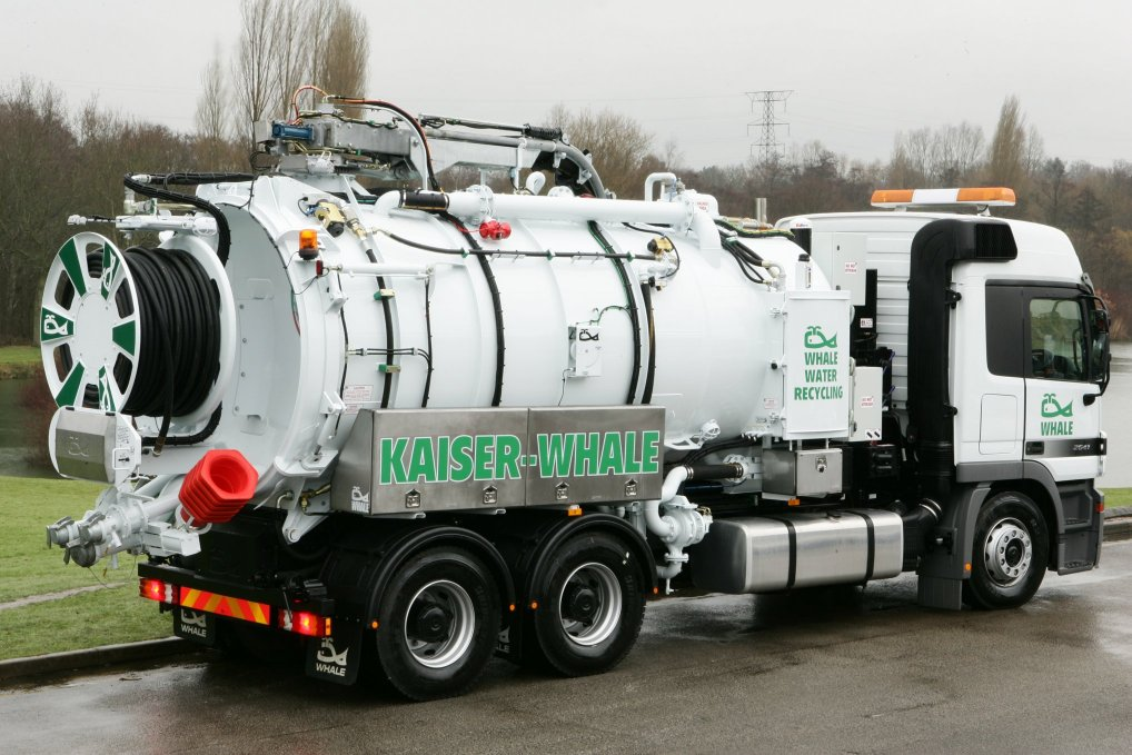 Kaiser-Whale Makes Every Last Drop Of Water Count