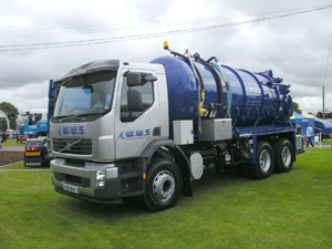 WHALE SPLASHES DOWN WITH VOLVO AT TRUCKFEST SCOTLAND
